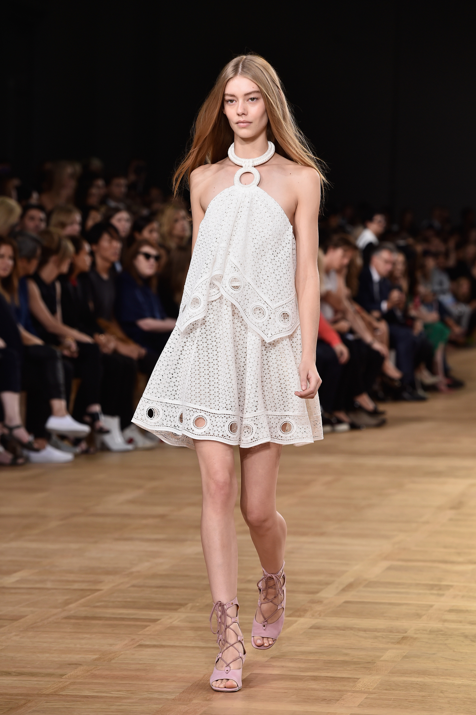 chloe-runway-paris-fashion-week-womenswear-spring-summer-2015