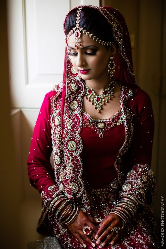 indian-brides-love-the-jewelry