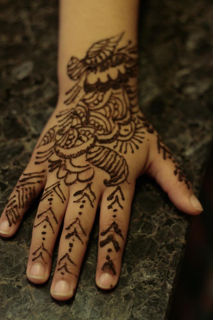 simple henna tattoo ideas