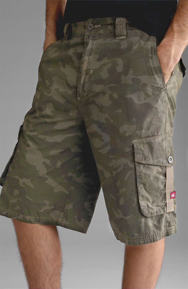 stylish-camo-cargo-shorts