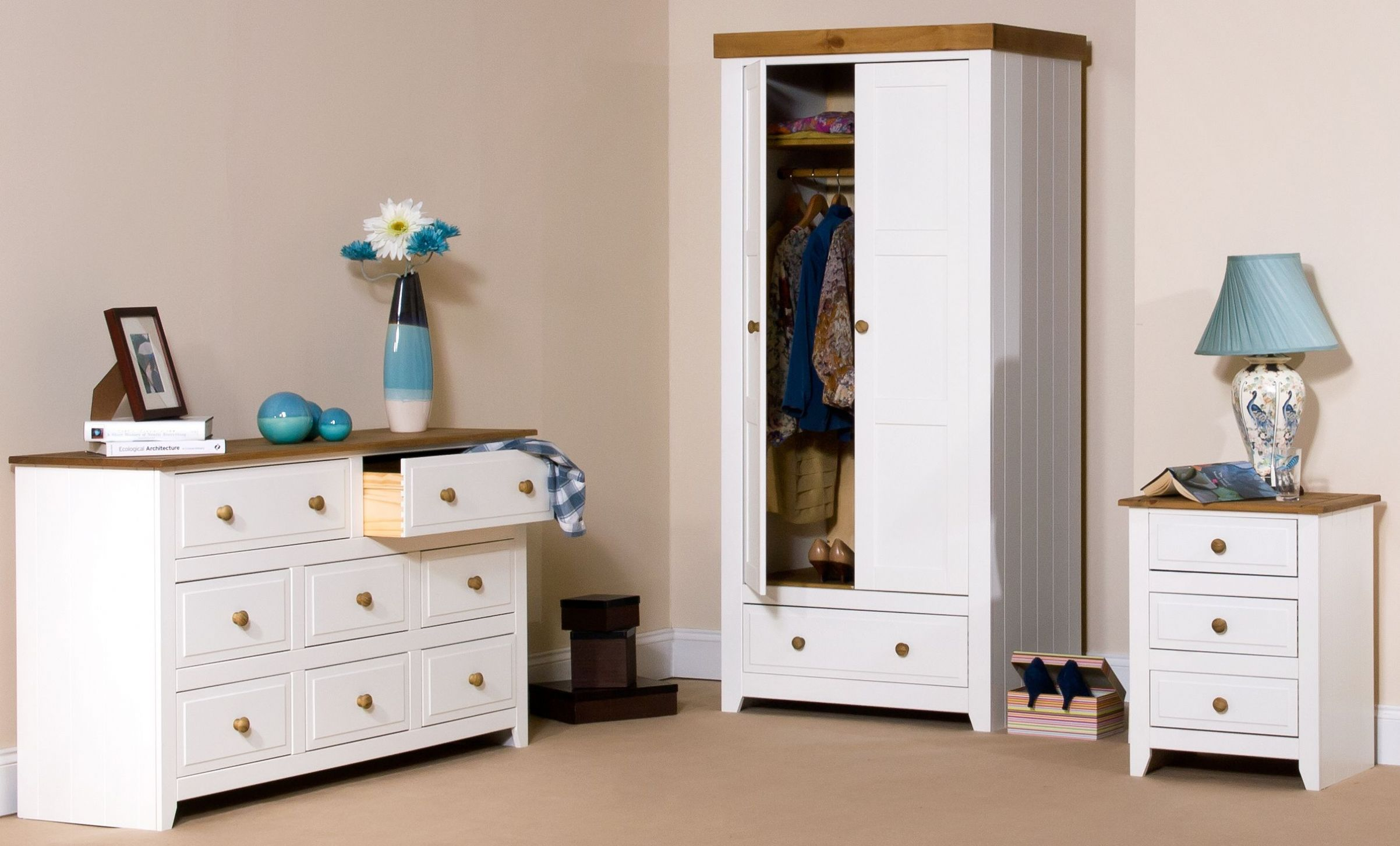 white-wood-bedroom-furniture-as-chest-of-drawers-with-smart-design-forBedroom-home-decorators-furniture-quality-1