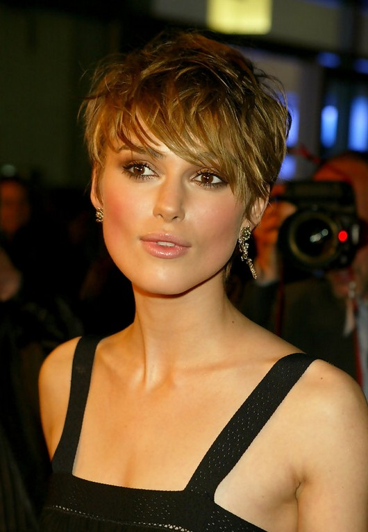 Keira-Knightley-Sexy-Messy-Short-Straight-Haircut-with-Bangs