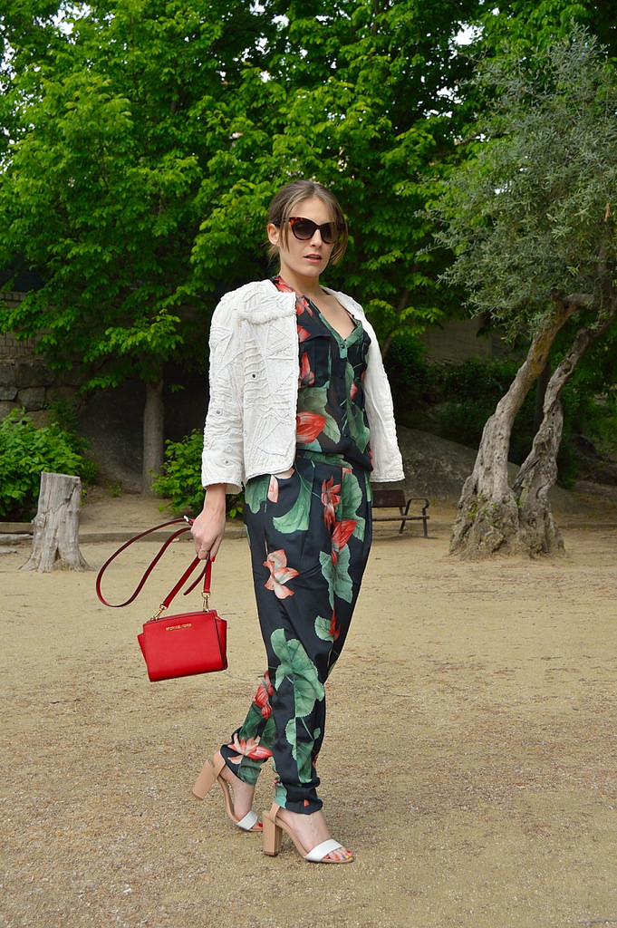 ara-vazquez-madlulablog-style-fashion-streetstyle-red-color-jumpsuit