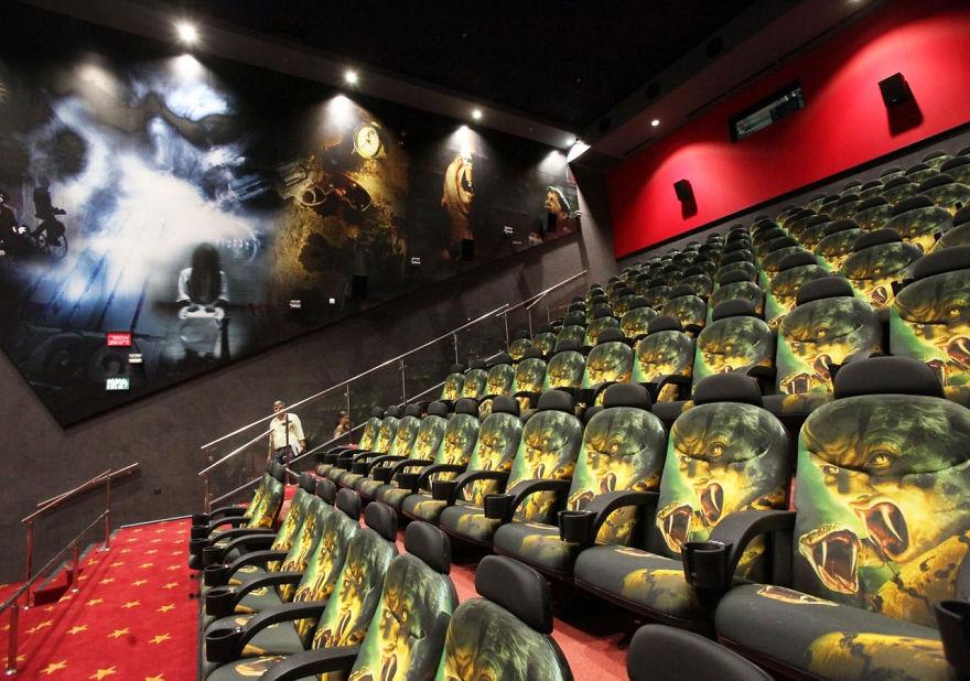cinemas-interior-cinema-city-rishon