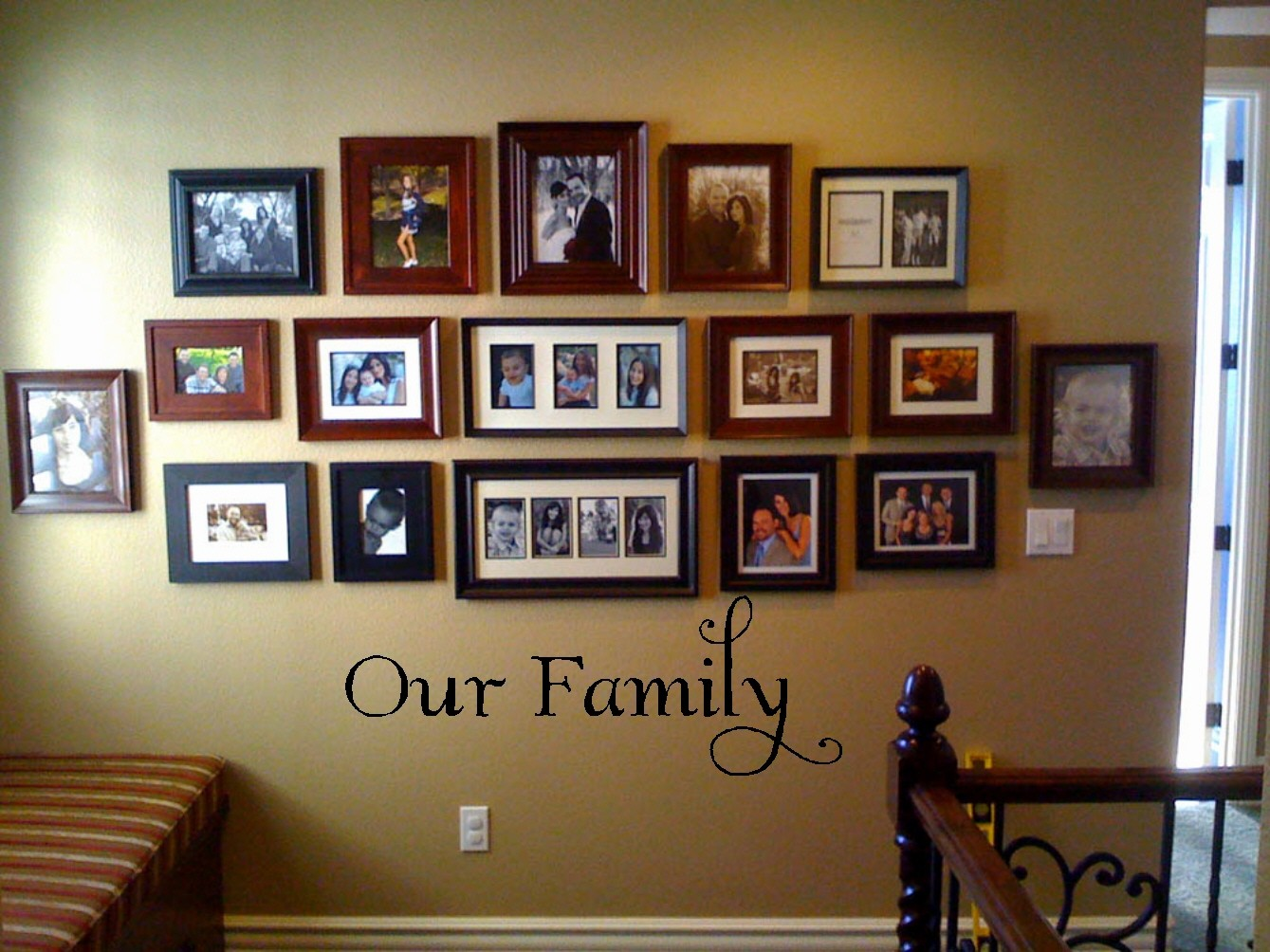 30 family picture frame wall ideas - Family room wall decor ideas ...