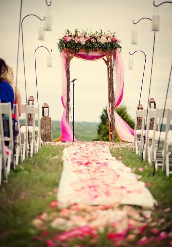 Outdoor-Wedding-Arch-Ideas