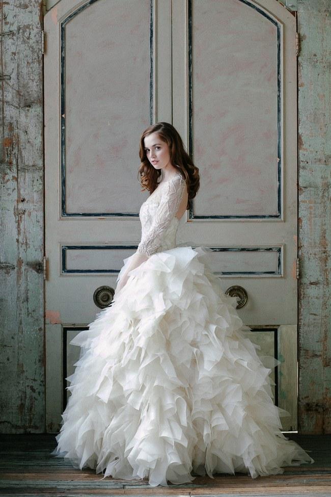 Totally-Stunning-Long-Sleeved-Wedding-Dresses-5