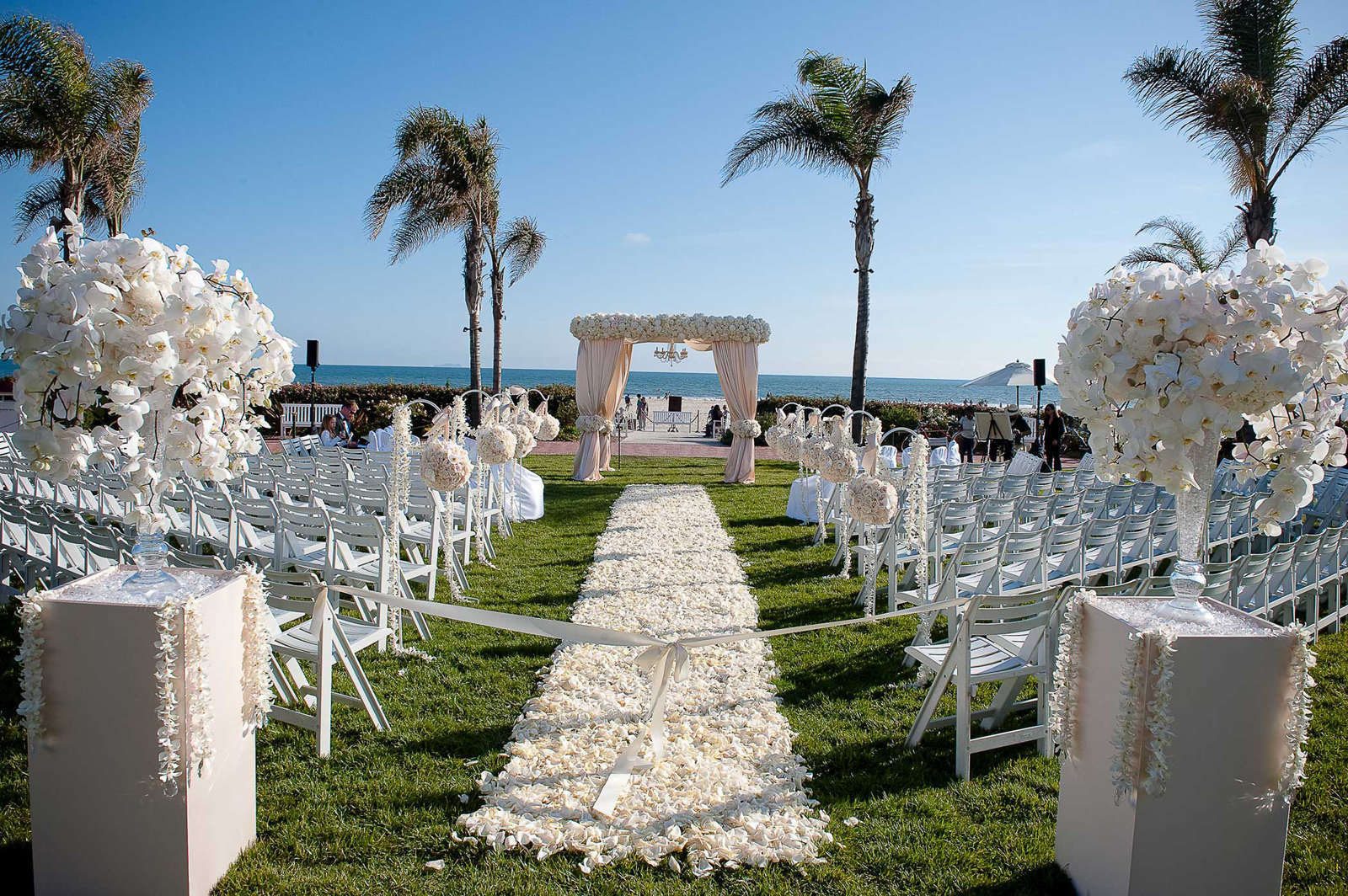 Beach Wedding Ceremony: 35 Outdoor Wedding Decoration Ideas