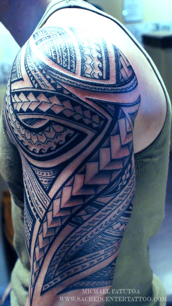 tribal-circle-tattoos-men-3D