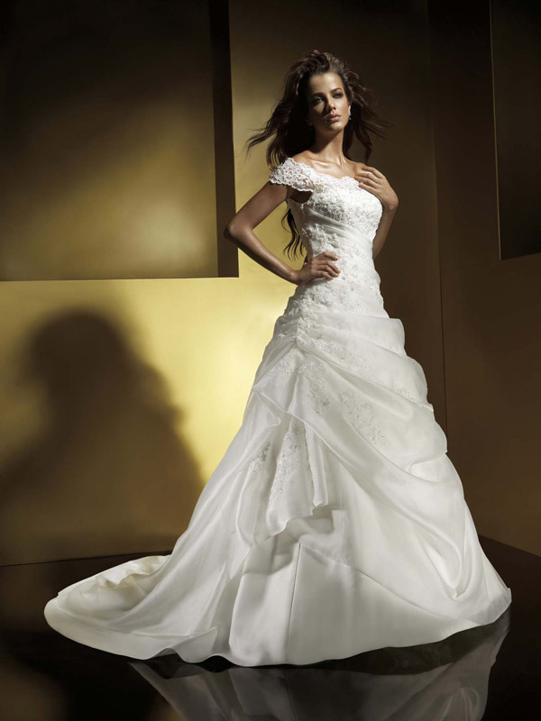wedding-gowns-with-sleeves-pictures