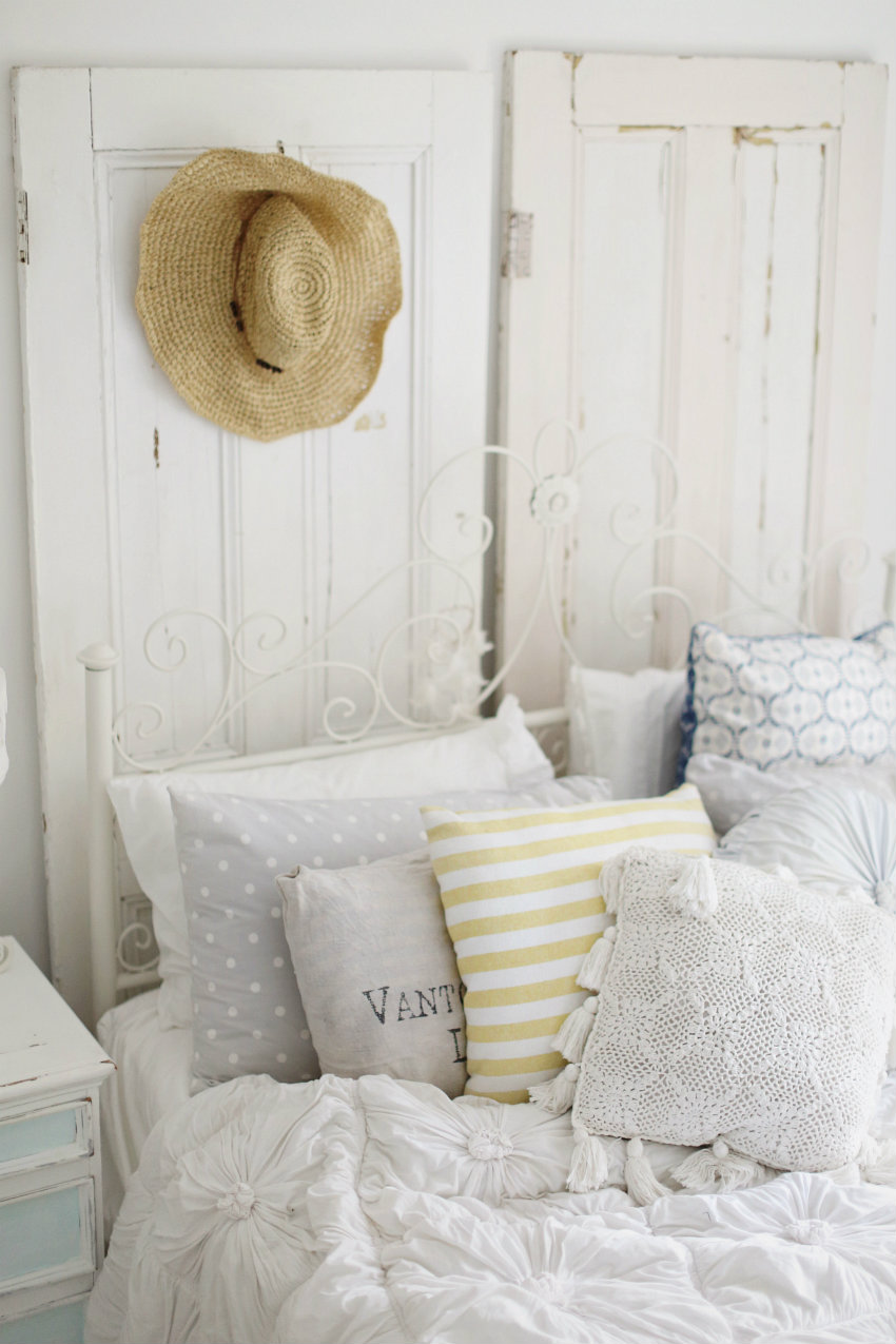 Living Room Beach Cottage Coastal Vintage Style