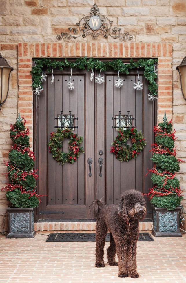 outdoor christmas decorating ideas - Traditional Outdoor Christmas Decorations