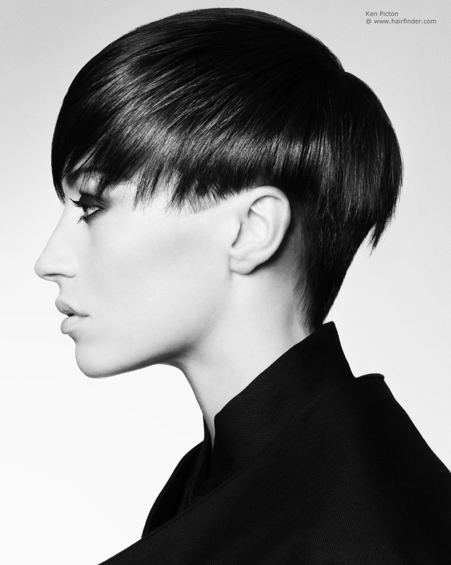 Short undercut hair with a graduated neck