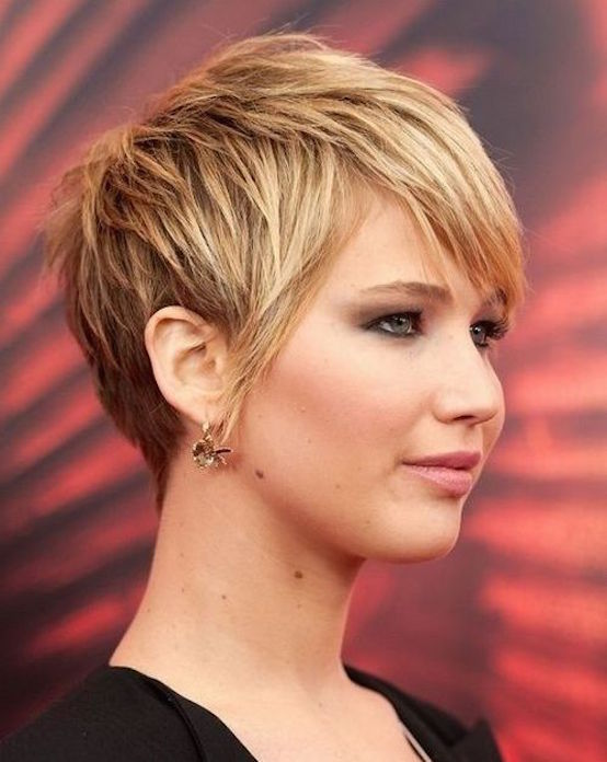 cute short haircuts for round faces 21 hairstyles for faces feed inspiration 1143 | Short Haircuts For Thick Hair And Round Faces