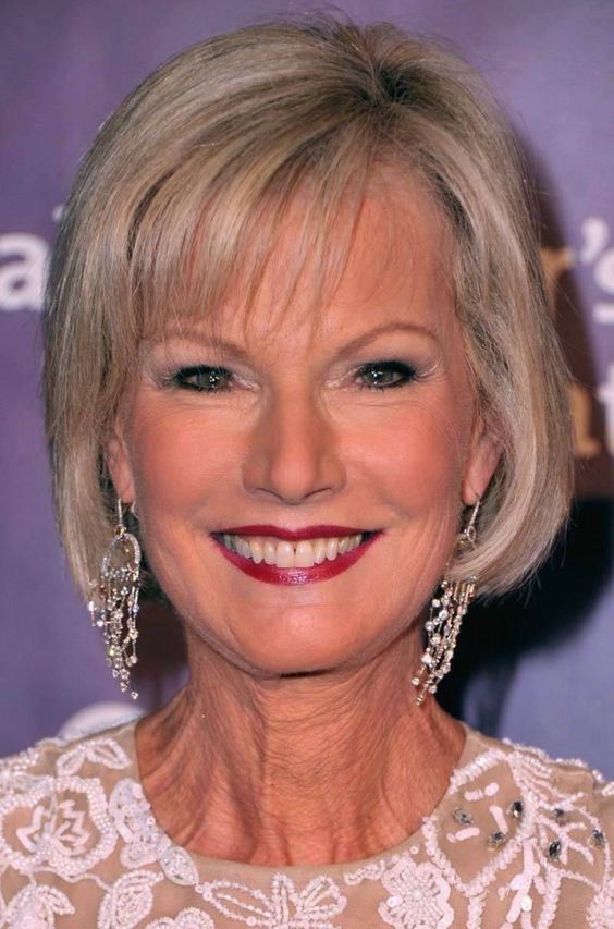 20 Short Hairstyles For Women Over 50 With Fine Hair