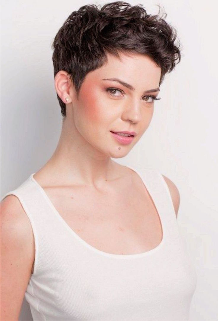 very curly short hairstyles
