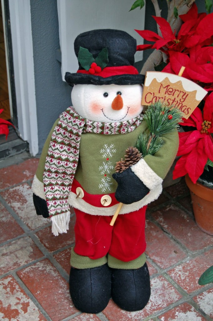 Charming Christmas Front Porch Decorating Ideas