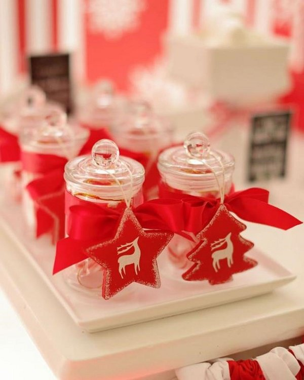 christmas red white colors theme party favors ideas