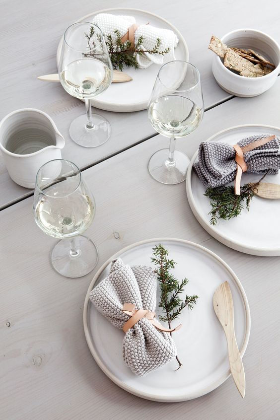 Christmas Table Minimalist