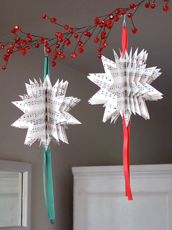 25 paper christmas decoration ideas youll love - Easy Paper Christmas Decorations