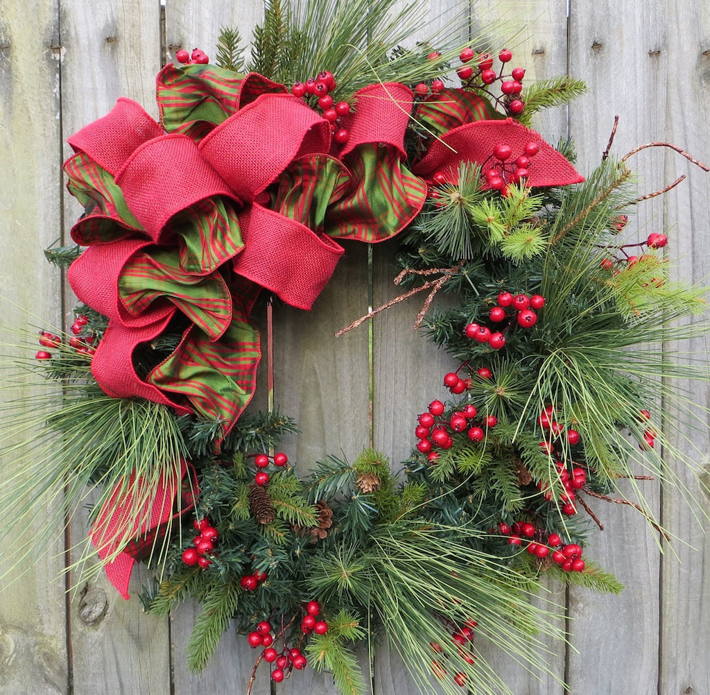 Home Design Ideas Outside: 30 Christmas Wreaths Decorating Ideas To Try Now