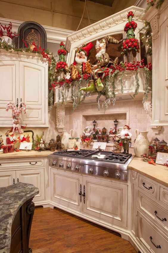 21 impressive christmas kitchen decor ideas feed inspiration for Wish decoration