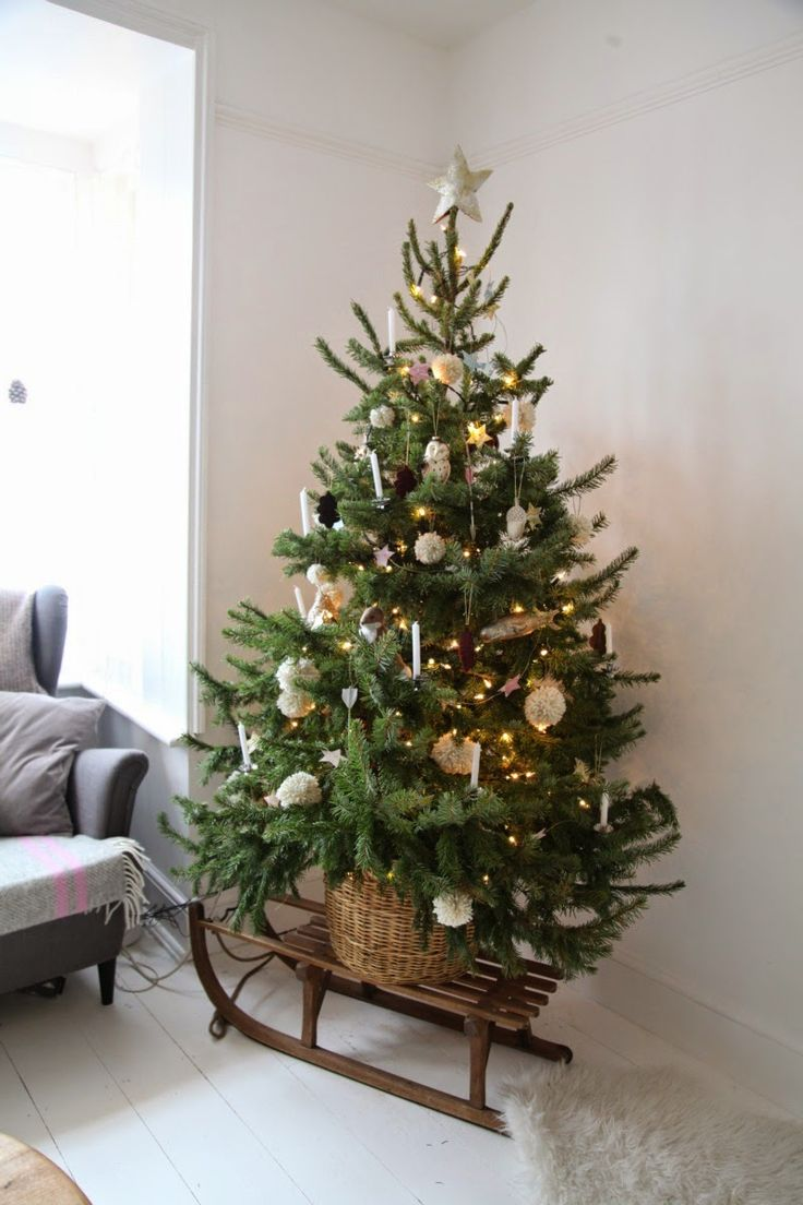 37 Inspiring Christmas Tree Ideas For Small Spaces - Feed ...