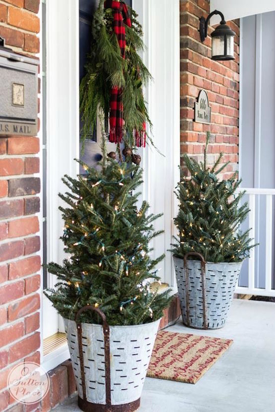 Frugal Christmas Porch Decor