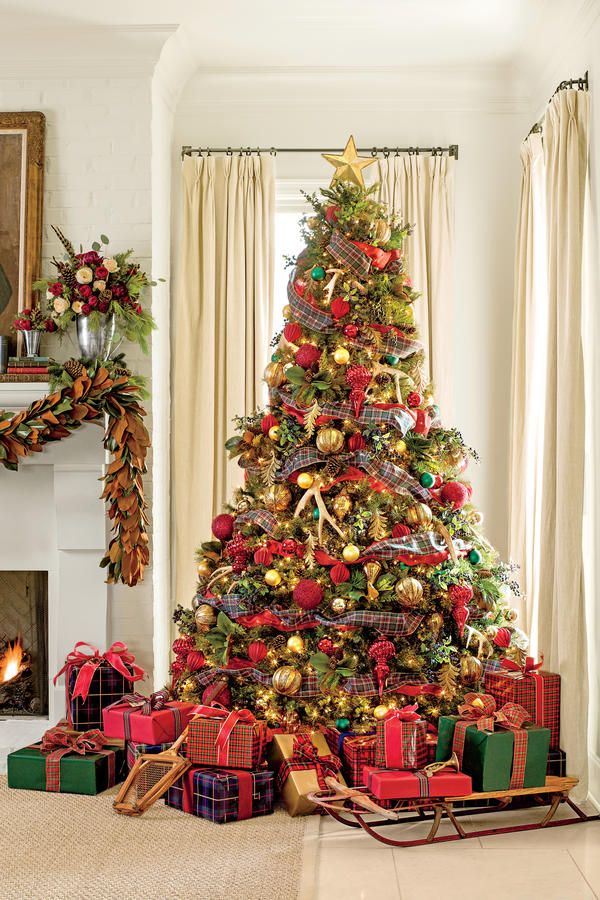 21 Plaid Christmas Ornaments Decorating Ideas Feed