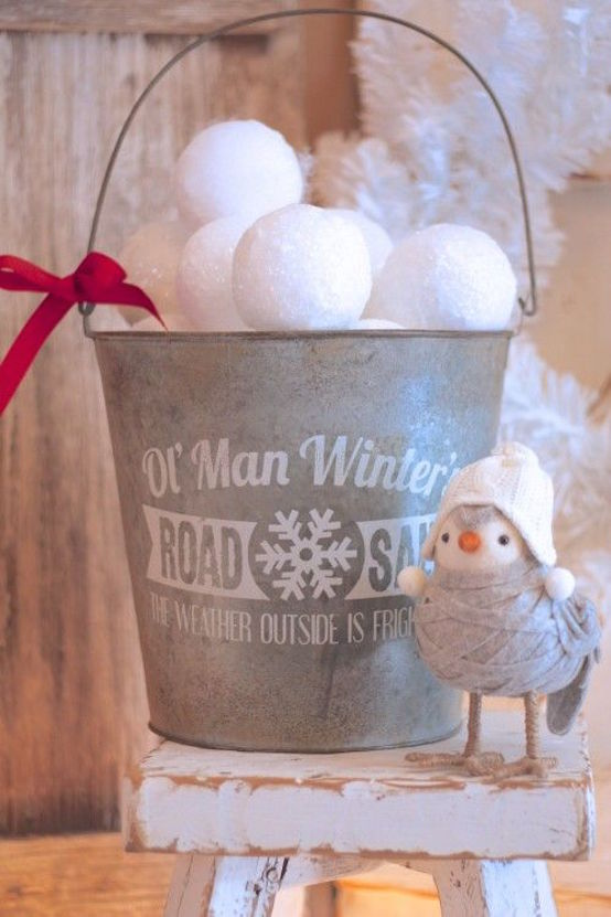 cool snowball decor for xmas