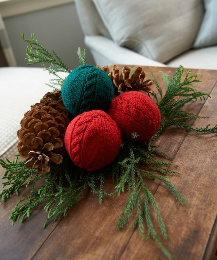 cozy knitted christmas decorations
