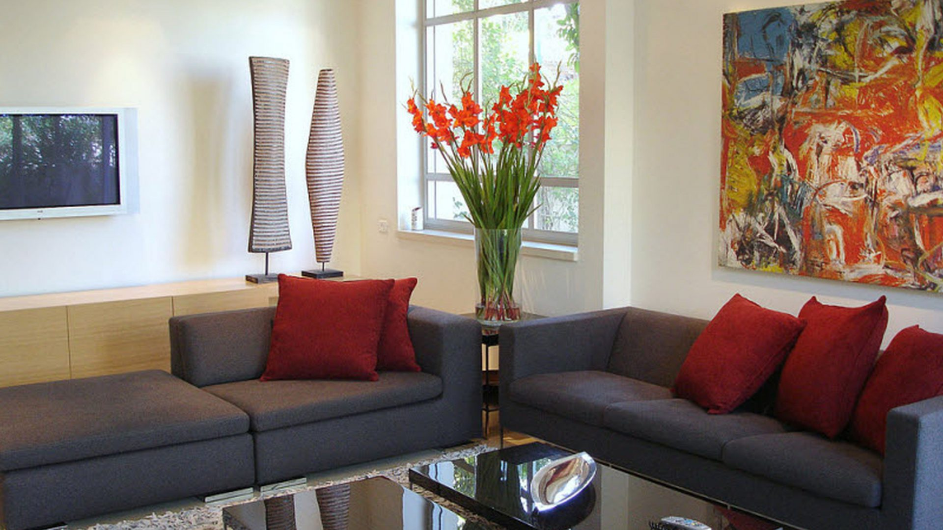 10 Inexpensive Ways To Decorate Your Living Room - Feed ...