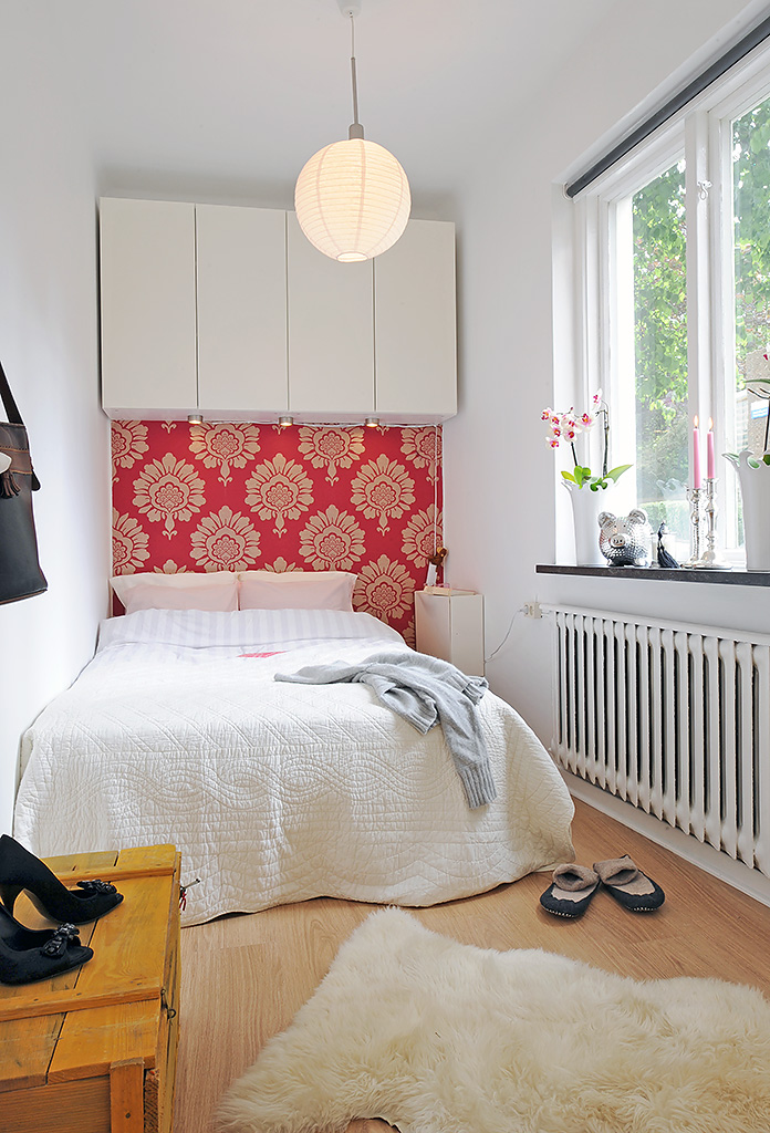 bedroom-decorating-ideas-to-make-small-bedroom-look-spacious-on