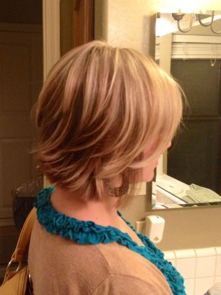 Fun-Short-Layered-Hairstyle-for-Women