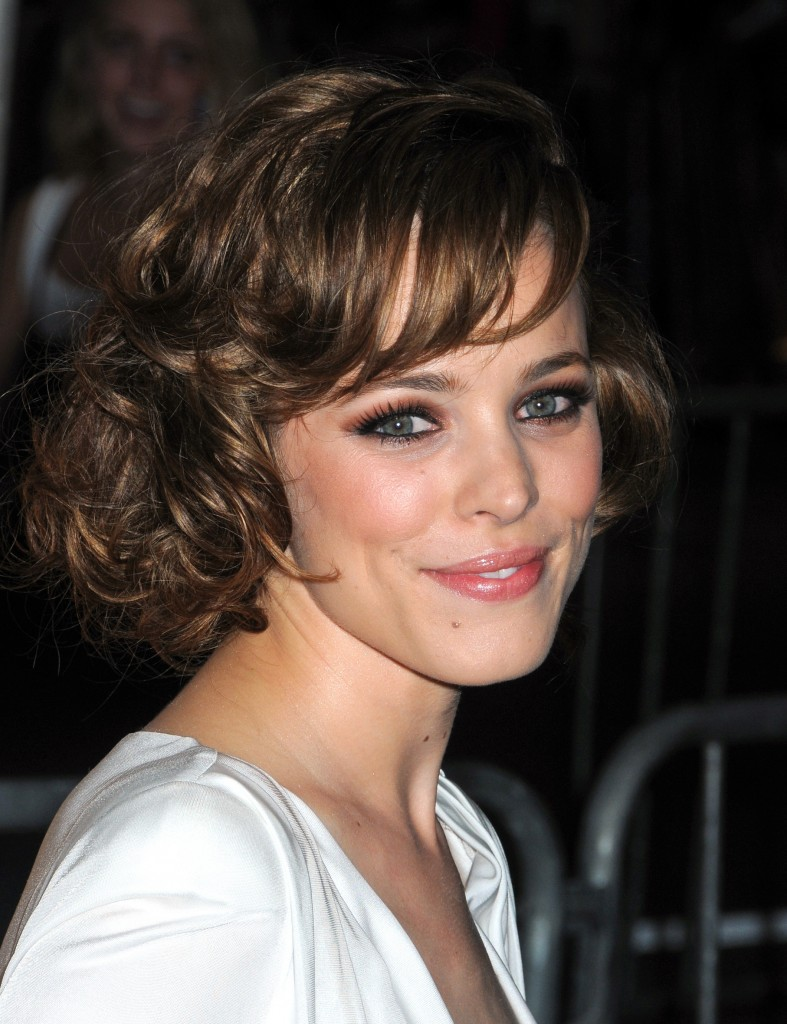 Short-Layered-Curly-Hairstyles