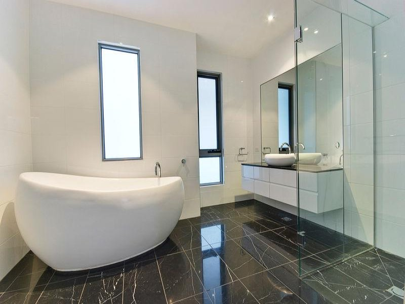 beautiful-modern-victorian-bathroom-ideas-with-modern-bathroom-design-with-freestanding-bath-using-ceramic-bathroom