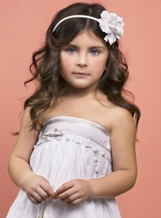 20 Stunning Curly Hairstyles For Kids