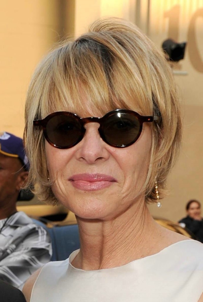 21 Trendy Hairstyles For Women Over 50 - Feed Inspiration