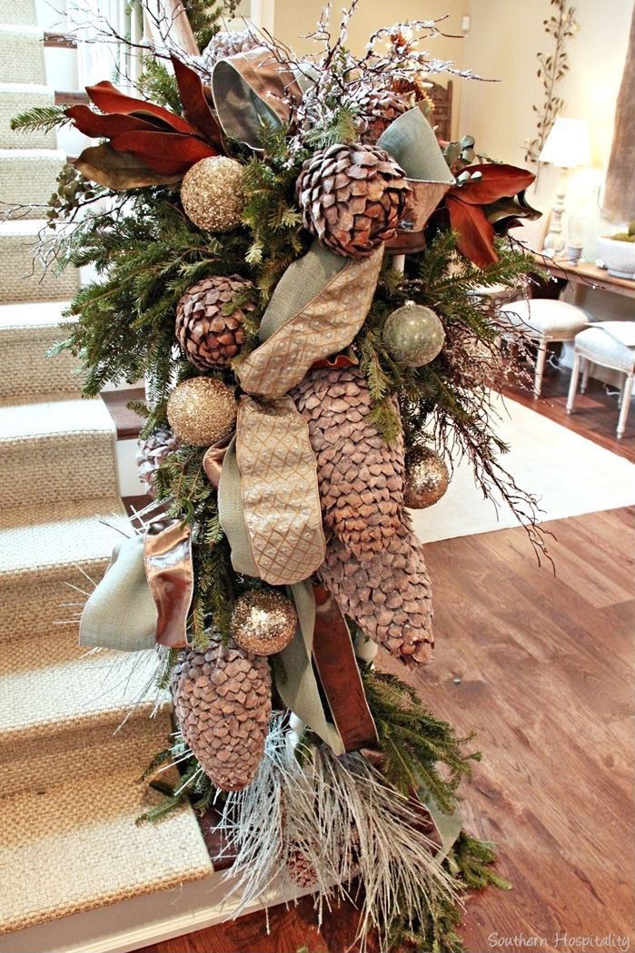 Christmas Staircase Decor Ideas That You Will Love